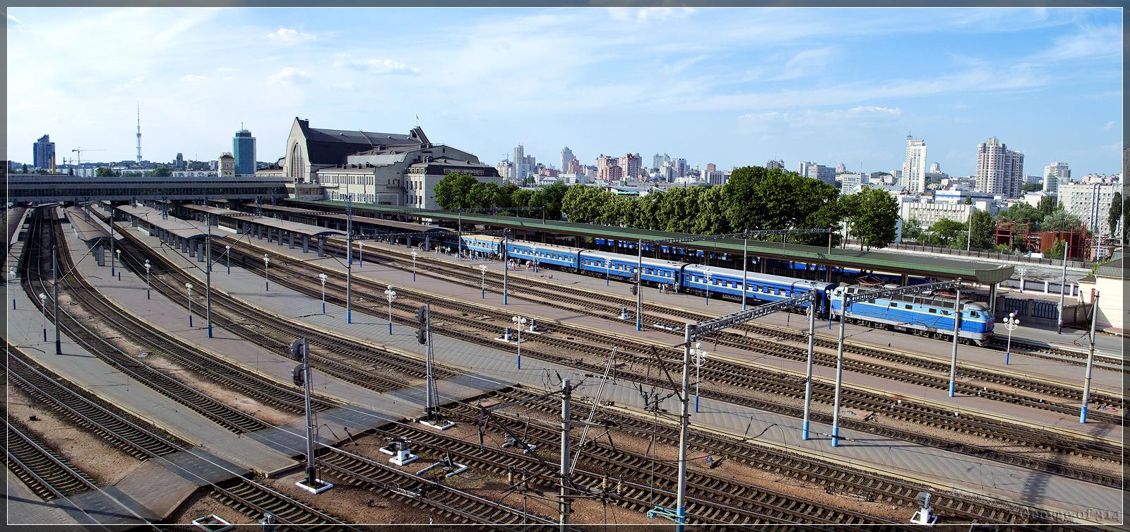 Центральный железнодорожный вокзал в киеве один